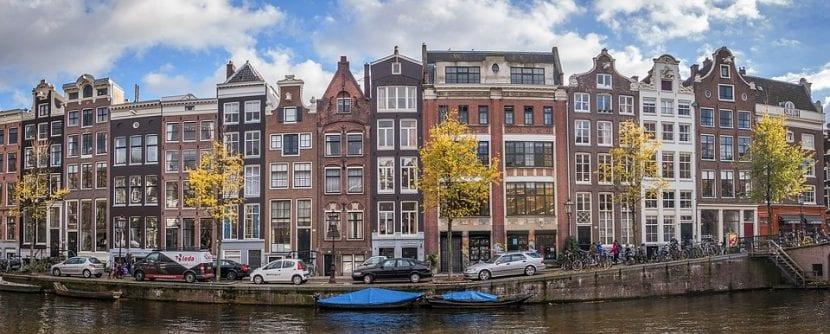Típicas casas de los canales de Ámsterdam