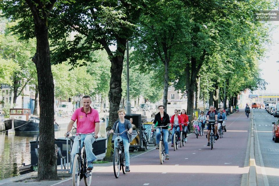 tour histórico en bici en amsterdam